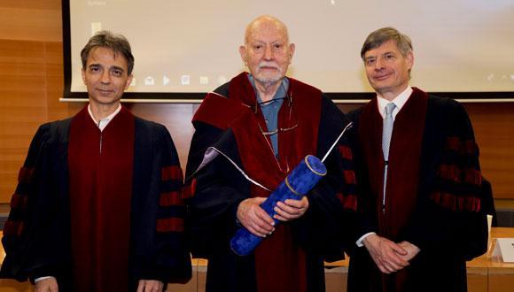 From left: Prof. Yaron Oz, Prof. Amnon Yariv and Prof. Raanan Rein Photo: Yehonatan Zur