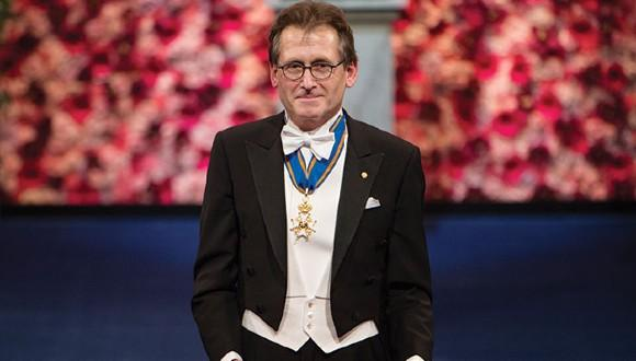 Prof. Bernard Feringa collecting his Nobel award in the Concert Hall in Stockholm, December 10, 2016. Credit: Pi Frisk/Nobel Media.